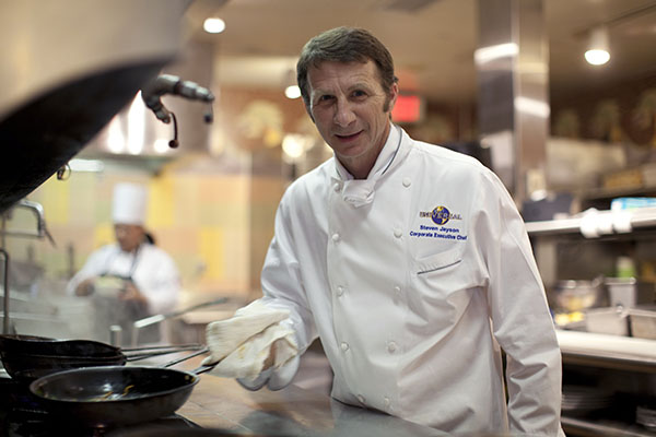 The Grand Tour Foundation Honors Vice President, Corporate Chef Steven Jayson of Universal Parks and Resorts as a 2016 Dick Pope Legend Honoree