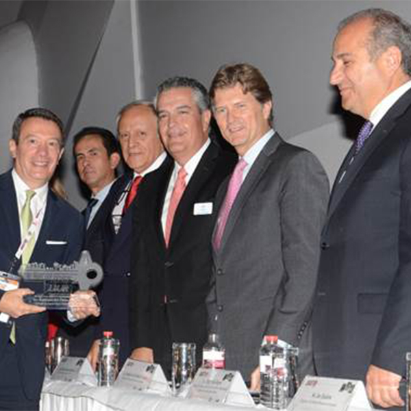 "Gonzalo del Peón Recognized with ""La Llave del Progreso"" Honor for his Contributions to Mexico's Tourism Industry"
