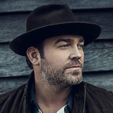 Lee Brice Thrills Diamond Resorts Members During Concert Series Performance in Las Vegas