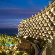 Ring in 2018 Hosted by Jesse Tyler Ferguson At Grand Velas Los Cabos' Star-Studded New Year's Eve Party